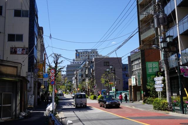 文京区根津神社の通り
