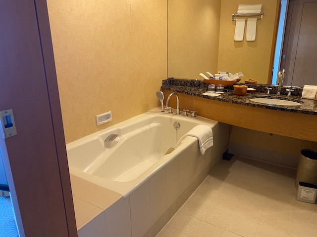 横浜ホテルバスタブ