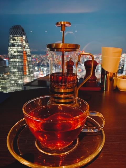 京王プラザホテル スカイラウンジオーロラ 紅茶