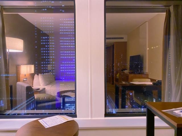 京王プラザホテル客室夜景