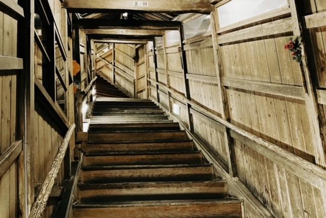 岩松旅館 八十八の階段 レトロ