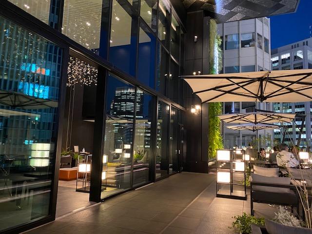 ゲートホテル東京 夜のルーフトップテラス