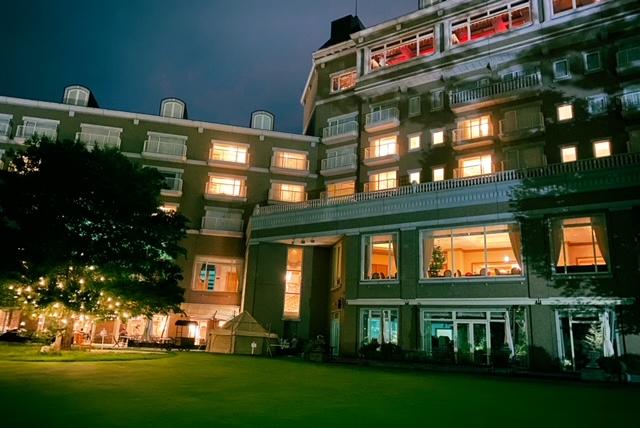 仙台ロイヤルパークホテル 夜外観