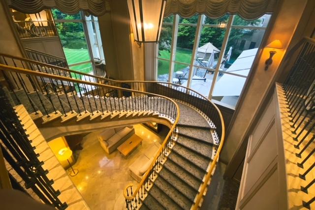 仙台ロイヤルパークホテル 螺旋階段